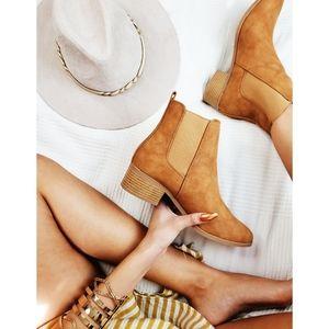 Winter Lovin// camel ankle boot